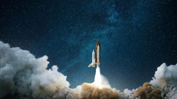 ロケットが飛び立つ画像